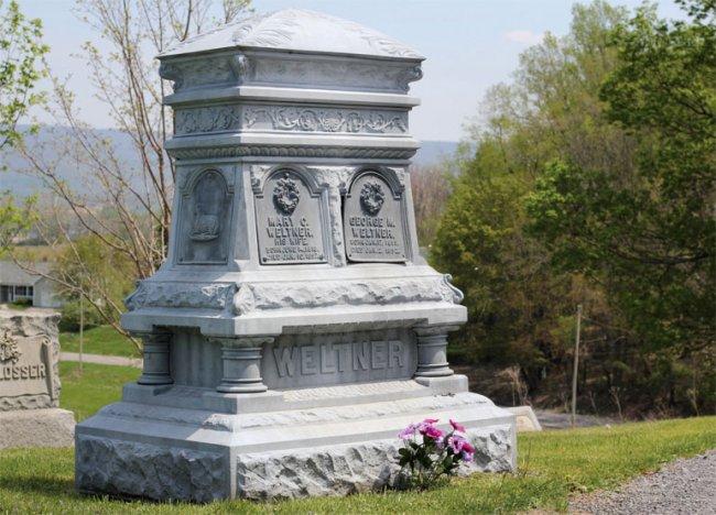 weltner cemetery plot