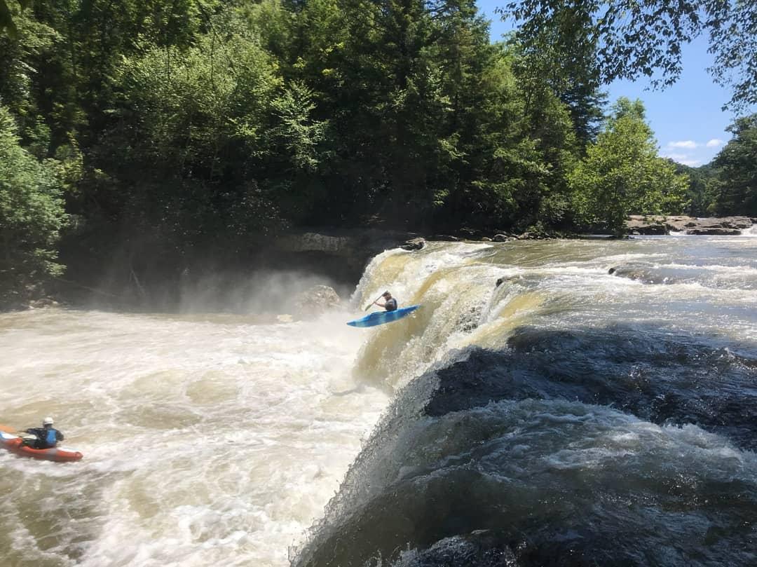 Whitewater kayaking on bigsandy creek in West Virginia